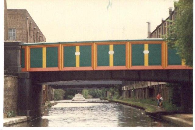 A pretty bridge on the Grand Union Canal.