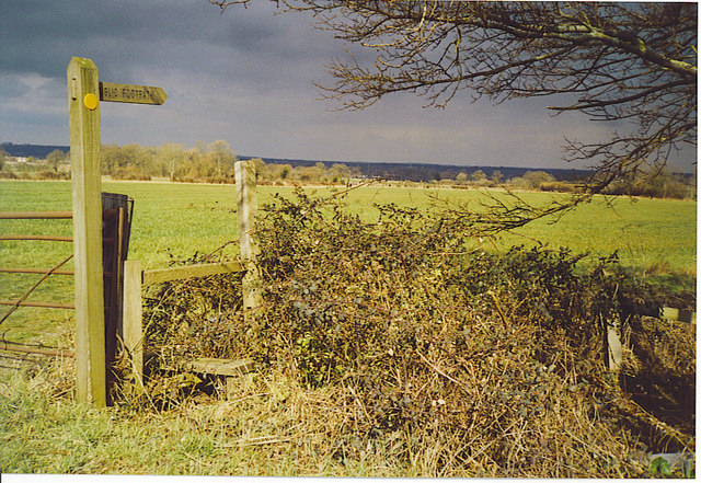 Fox Way Fingerpost and Stile, North of Wanborough.