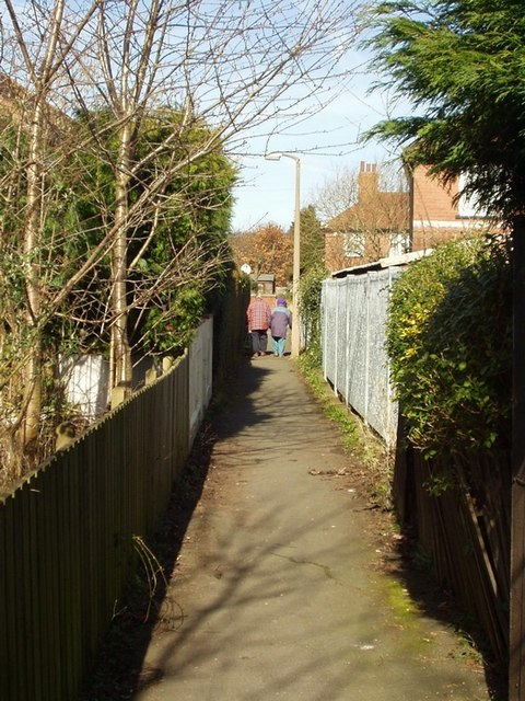 Footpath from Ash Avenue to St Annes Road, Headingley