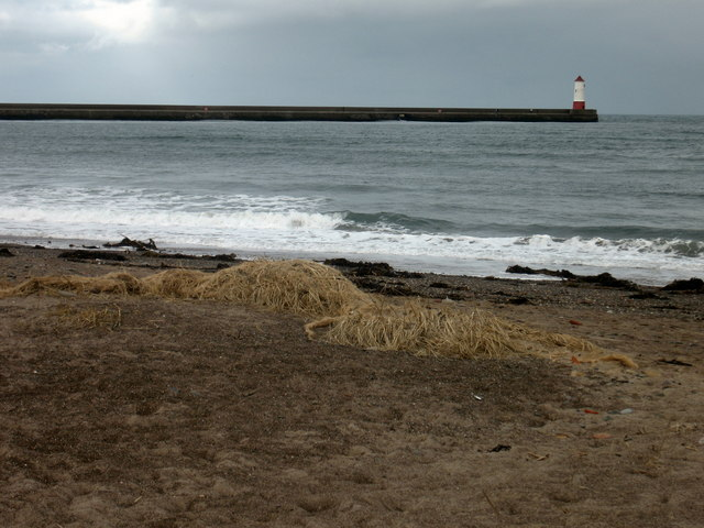 Spittal Beach, with Berwick Lighthouse and Pier beyond