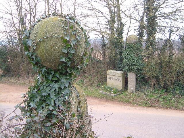 Gateposts at Bowls Cross