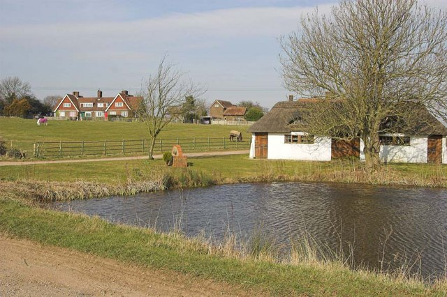 Barn and pond at entrance to Offley Hoo, Great Offley