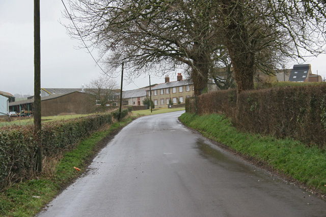 Road leading to Wallops Wood Farm