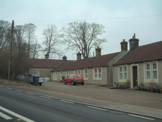 Cottages on Boglily Road