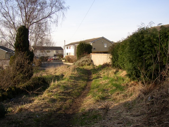 Footpath near Linden Close, Clifton