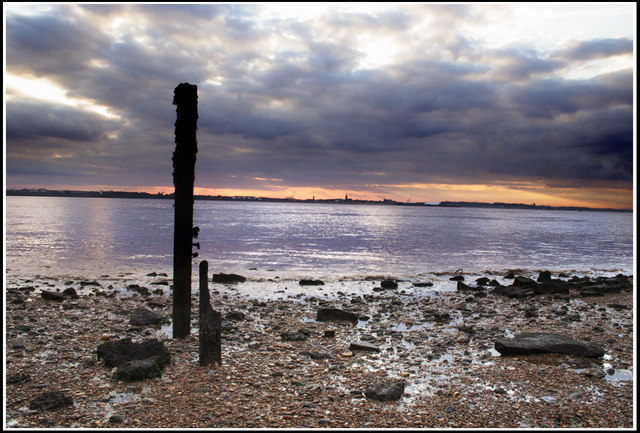 Eroded Pole, Felixstowe