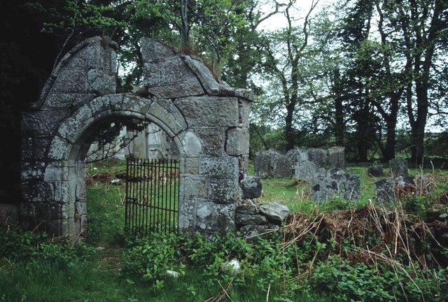Graveyard of Fetternear chapel.