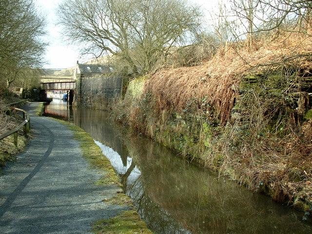 Huddersfield Canal, Tunnel End, Marsden