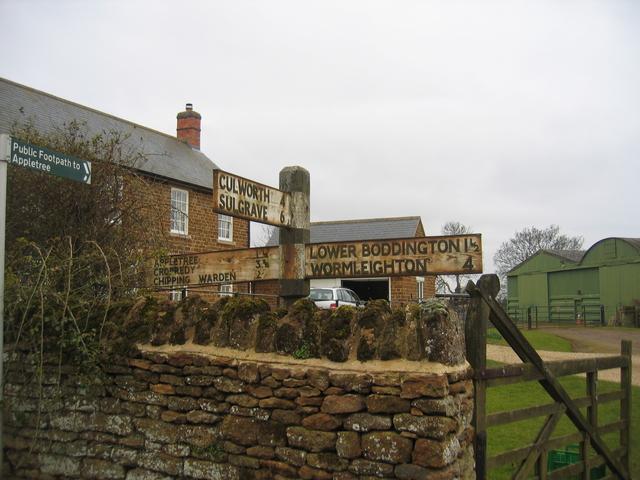 Signpost, Aston le Walls