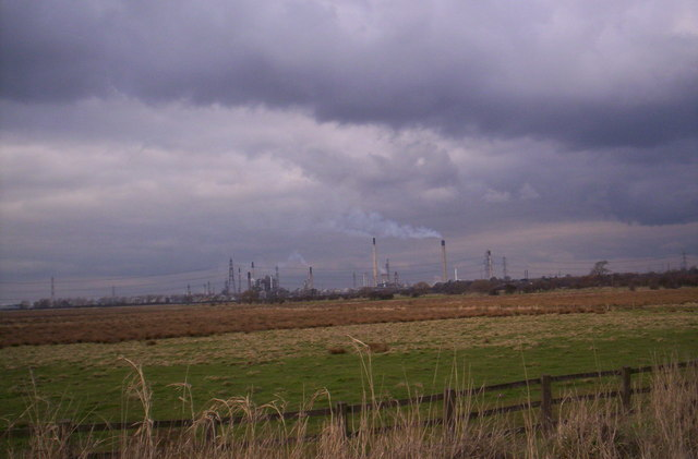 Fields looking to Stanlow