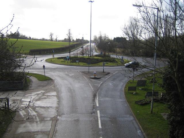 Redbourn:  A5183 / B487 roundabout