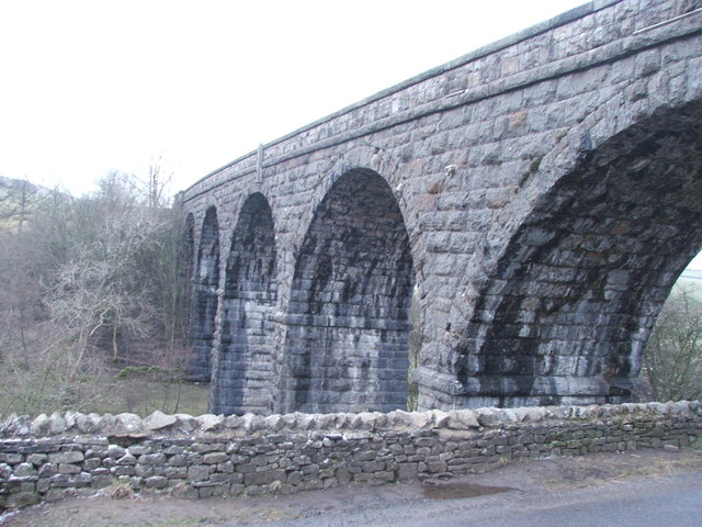 Disused viaduct near at Appersett.