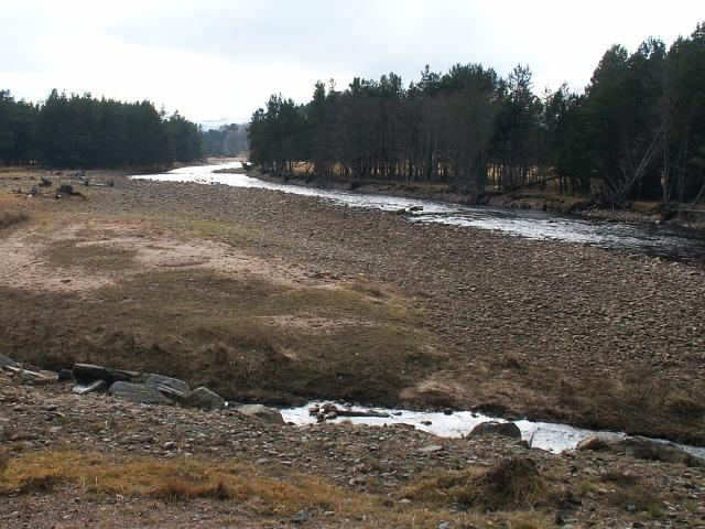 Dulnain River by Inverlaidnan