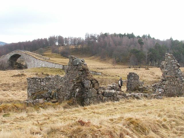 Old ruin by Sluggan Bridge