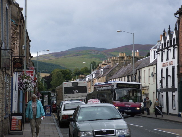 The crowded High Street, Innerleithen