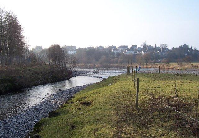 Across the rivers to Kentrigg.