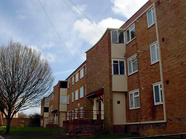 Flats on Maskelyne Avenue, Manor Farm