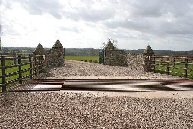 New gated entrance to Hall Farm near Gaddesby