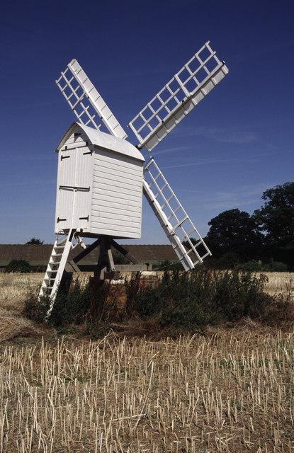 Post Mill by Bloxham Grove Farm