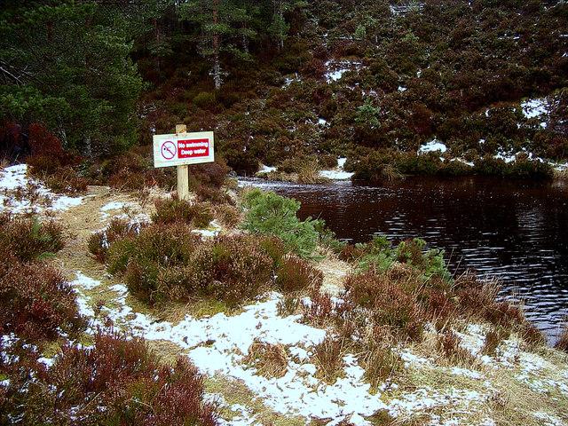 No swimming. Deep Water.