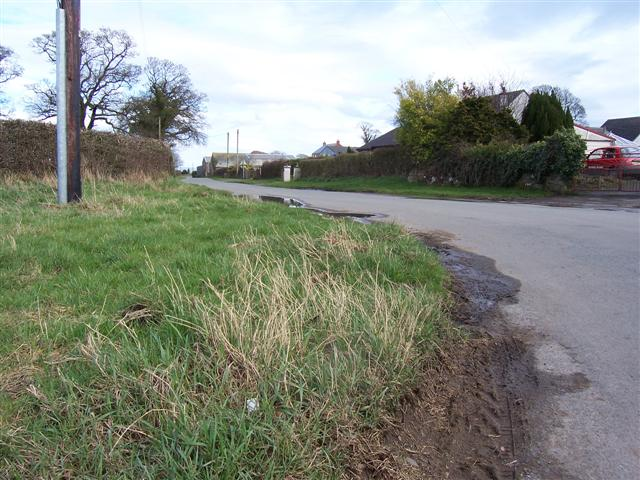 Wiggonby main road.