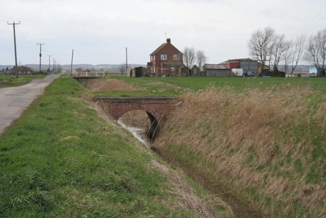 Bridge over Morton Drain, Morton Fen