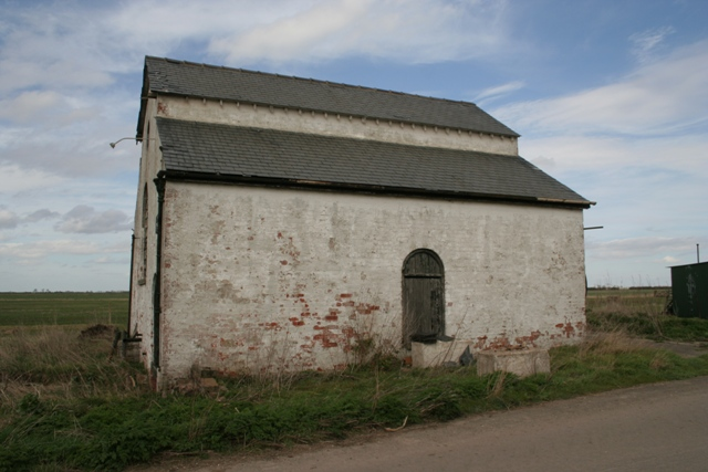 Old engine house for drainage pump, Morton North Drove