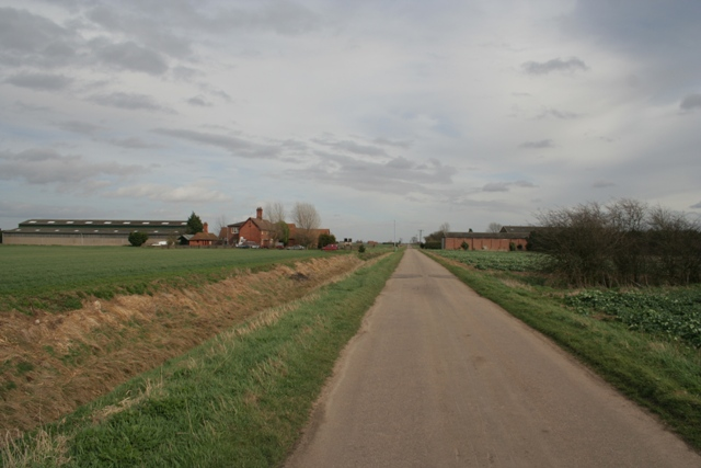 Middle Farm and Pinders Farm, Haconby Fen