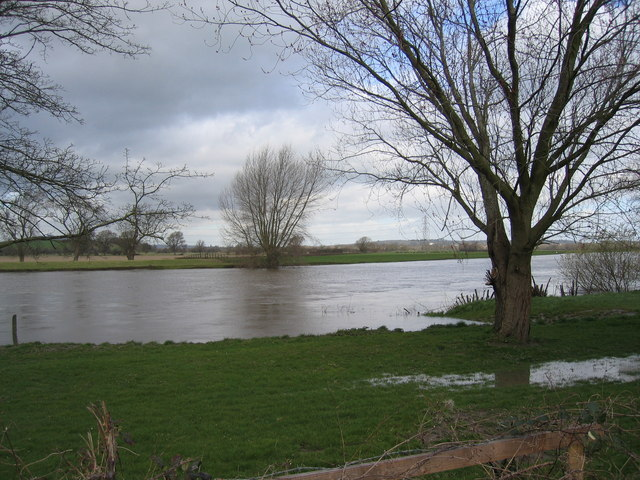 Flood tide on the Severn at Lower Rea