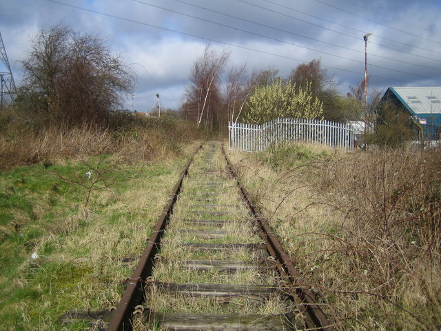 Dunstable: Disused railway near the former Dunstable Town station