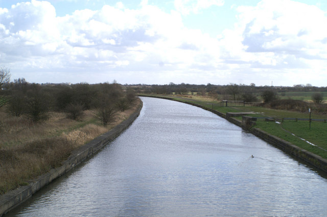 South from the bridge at Dover Locks