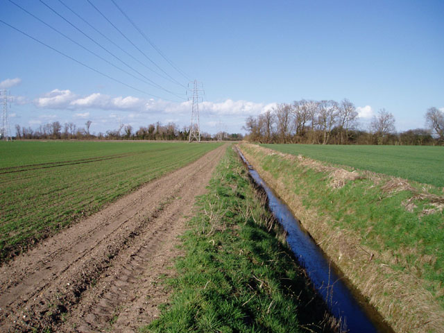 Flat farmland between Clayhithe and Lode