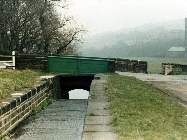 Huddersfield Canal, Lock 17E, Linthwaite