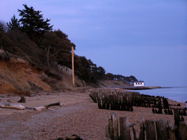 Lepe shoreline at dusk