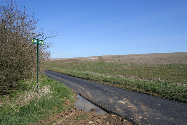 Footpath crossing on Stygate Lane