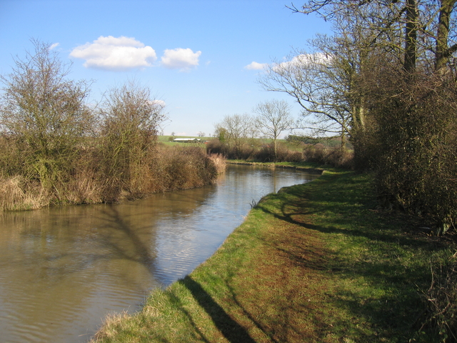 Site of old bridge over the Oxford Canal