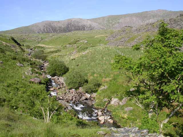 Afon Treweunydd below Cwm Clogwyn