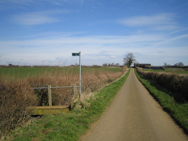 Knightley Way footpath towards Litchborough