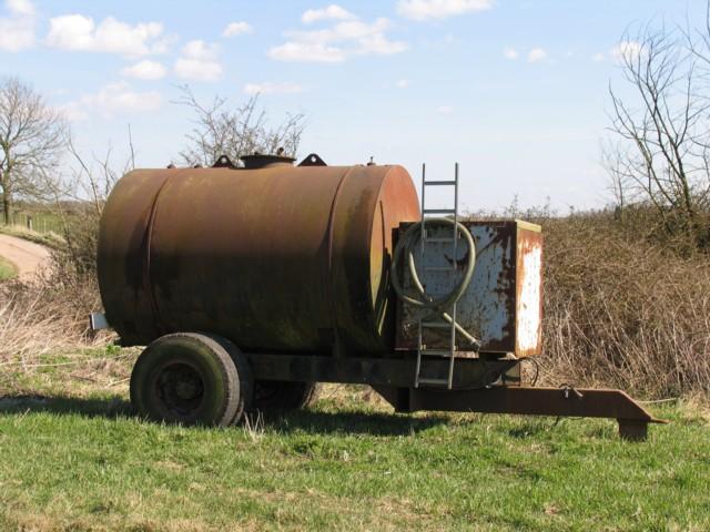 Farm trailer tank