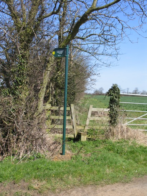 Footpath to Little Stretton