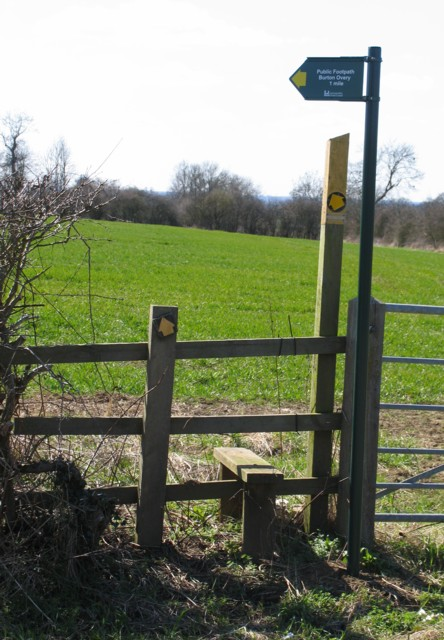 Footpath to Burton Overy