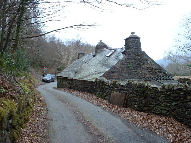 Blank walls at Bwlchgwernog