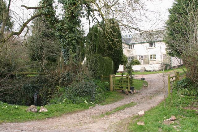 Hockworthy: entrance to Hurds Farm