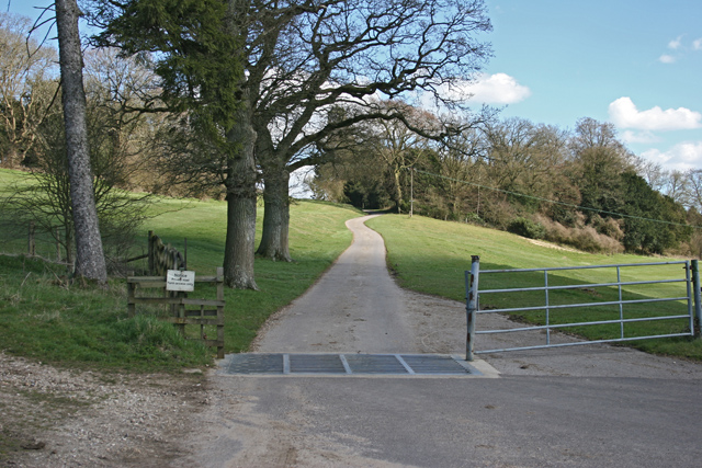 Private road to farm near Rotherfield Park