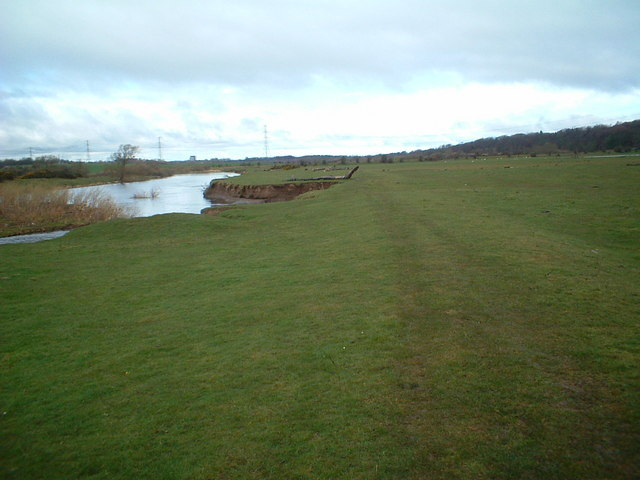 The Clyde Walkway near Lower Carbarns
