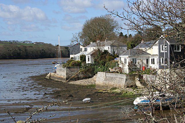 Waterside Cottages on Restronguet Creek