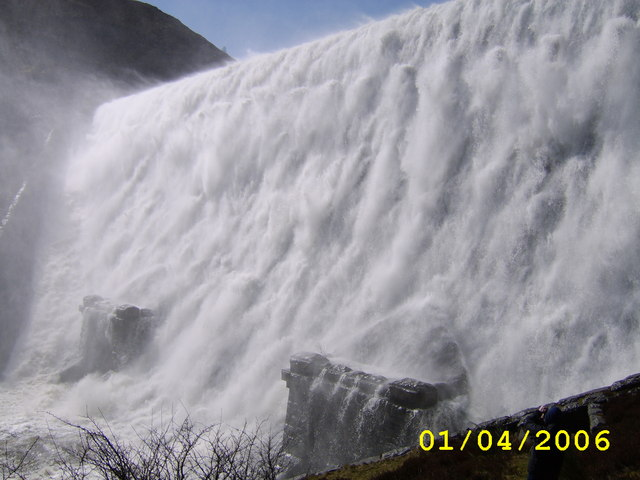 Caban-coch dam overflowing
