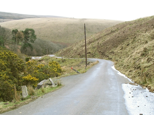 Road down into the lower Clydach valley