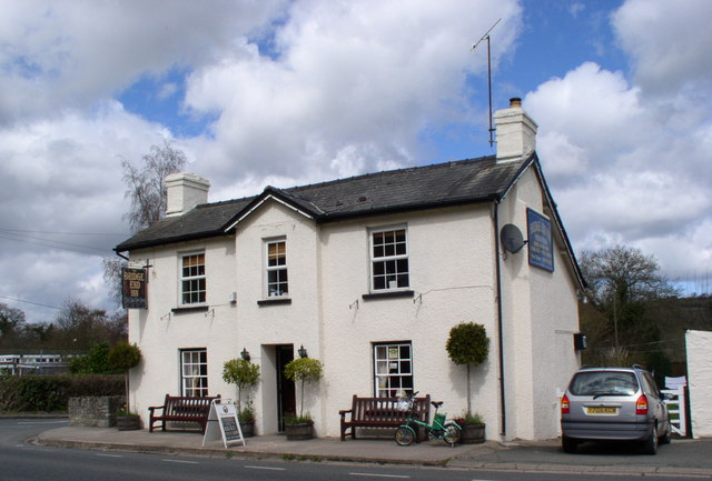 Bridge End Inn, Llyswen