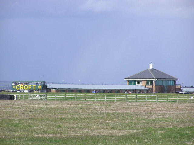 Croft Circuit : Clubhouse and garages.